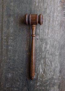 tuomarin nuija